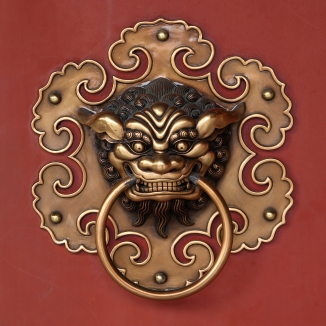 Doorknob_buddhist_temple_detail_amk
