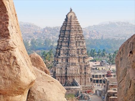 1_Virupaksha_temple_Gopuram_Hampi_Vijayanagar_India